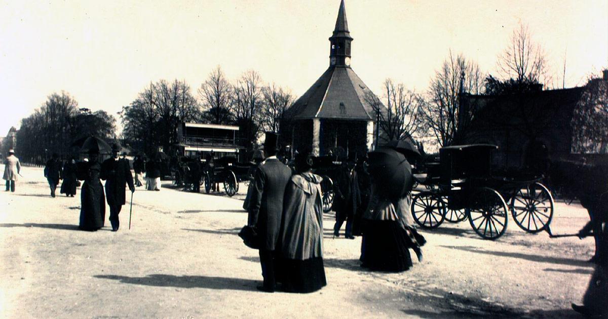 Frederiksberg Runddel med Frederiksberg Kirke i baggrunden, 1890. Fotograf: Heinrich Johan Barby, Frederiksberg Stadsarkiv
