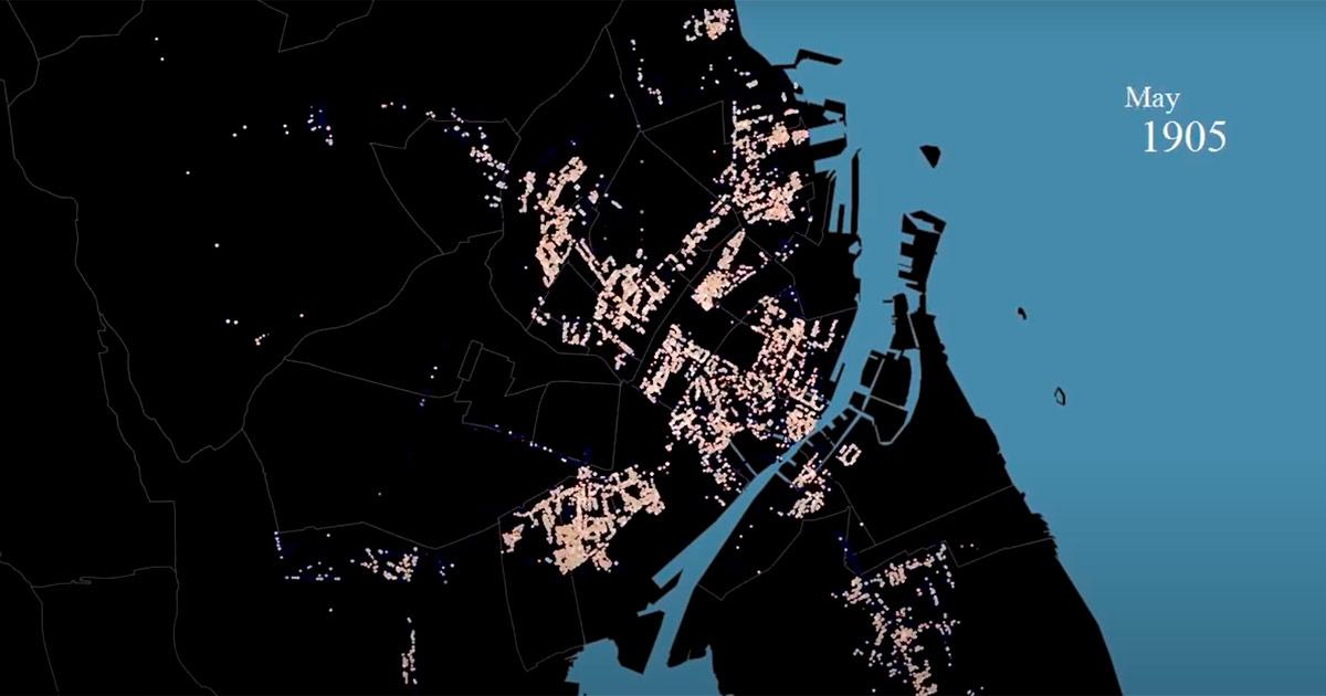 Til #Hack4DK, et arrangement for kulturinteresserede it-udviklere, lavede udvikler Rasmus Halling Lorent en visualisering i form af en lille film af data fra politiets registerblade. Filmen viser med små lysende prikker alle de indtastede adresser fra registerbladene og visualiserer på den måde byens vækst fra 1890-1923.