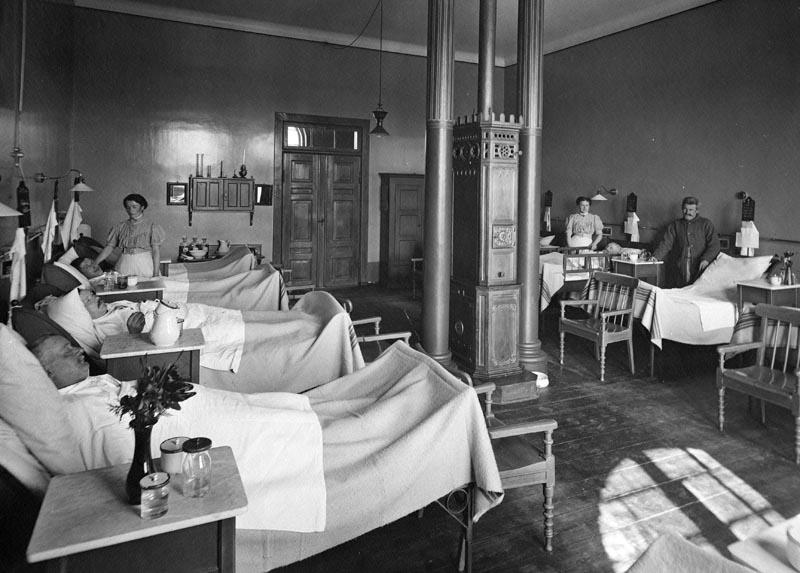 Fællesstue på Kommunehospitalets mandsafdeling i 1919. Foto: Fotograf ukendt, Københavns Museum