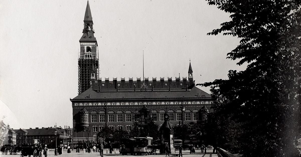 Købehavns nyeste rådhus, som det tog sig ud i august 1899. Foto: Fotograf ukendt, Københavns Stadsarkiv