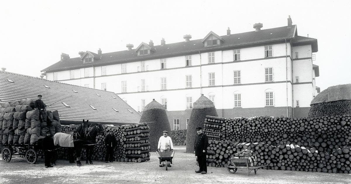 Tvangsarbejde på Sundholm, 1014. Foto: Peter Elfelt, Københavns Museum