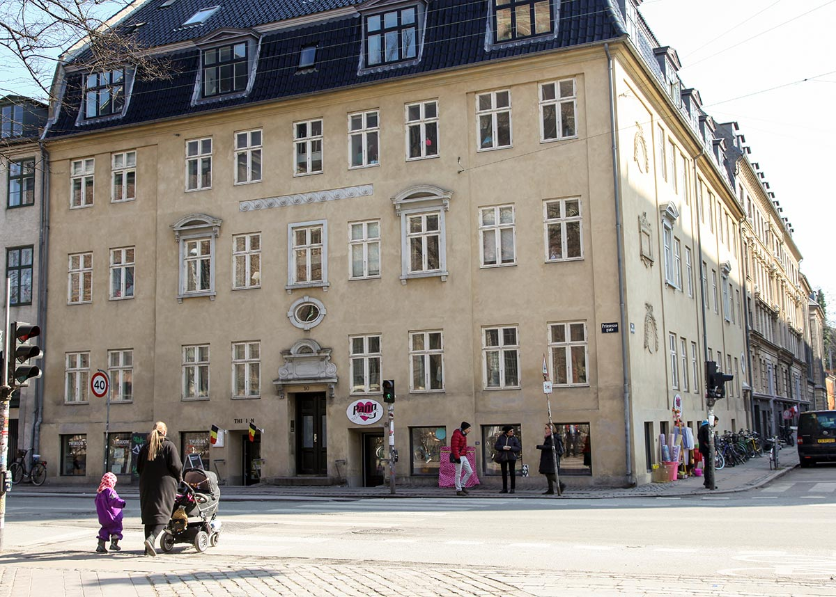 Hjørnet af Prinsessegade og Sankt Annæ Gade. Foto 2016: Mads Neuhard, Københavns Stadsarkiv