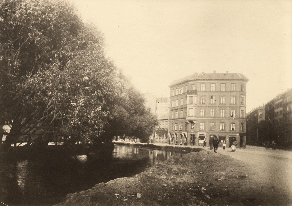 Ladegårdsåen. Foto 1896: Ukendt fotograf, Københavns Museum