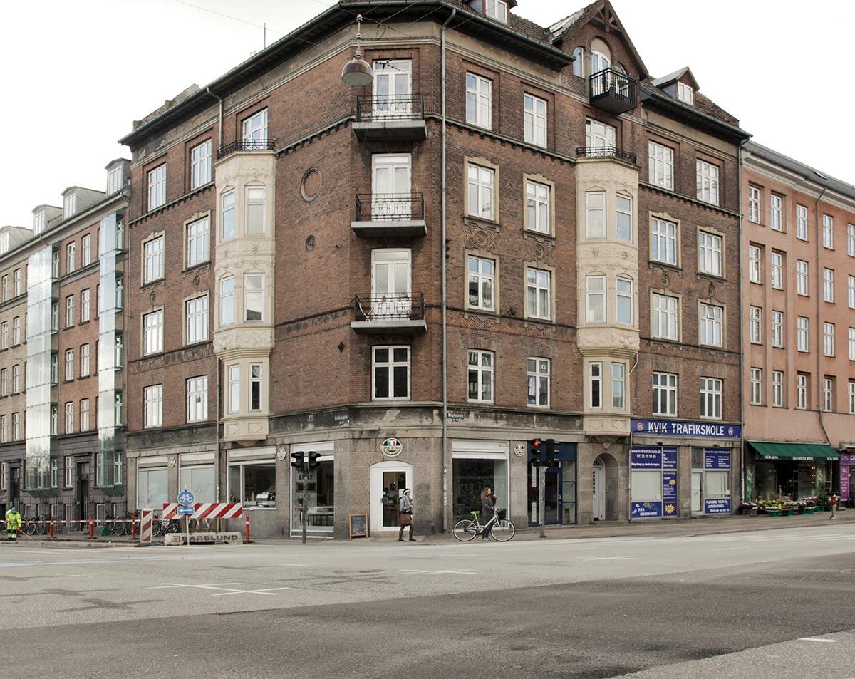 Hjørnet af Blegdamsvej og Fredensgade. Foto 2014: Mads Neuhard, Københavns Stadsarkiv
