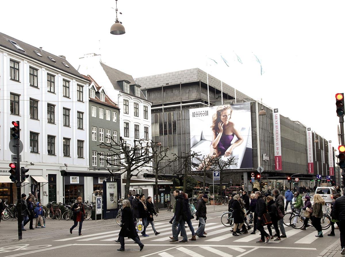 Magasins torv. Foto 2014: Mads Neuhard, Københavns Stadsarkiv.