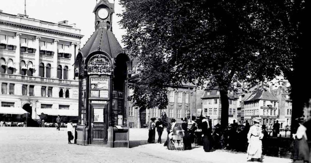 En af de omtalte telefonkiosker. 1904. Foto: Fotograf ukendt, Københavns Museum.