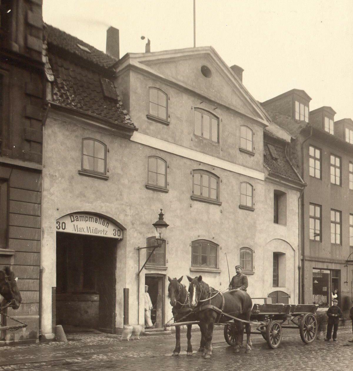 Overgaden oven Vandet 30. Foto 1905: Ukendt fotograf, Københavns Museum.