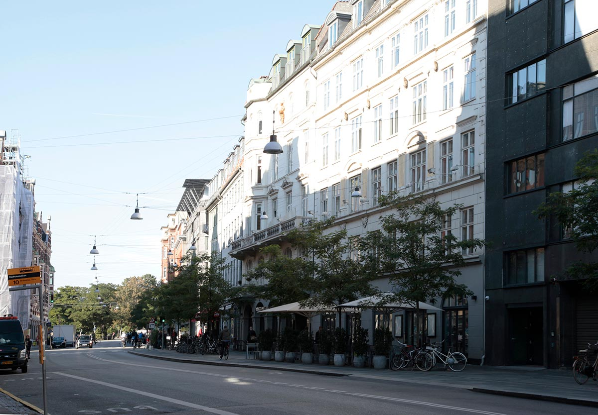 Vester Voldgade mellem Vestergade og Studiestræde set fra Rådhuspladsen. Foto 2015: Mads Neuhard, Københavns Stadsarkiv