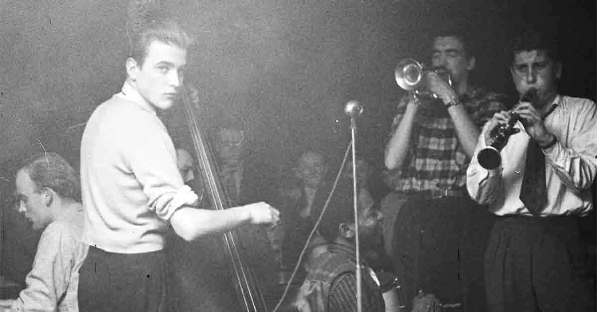 Byens teenagere spiller og lytter til jazz. År: Ca. 1930-1950. Foto: Fotograf ukendt, Københavns Museum.